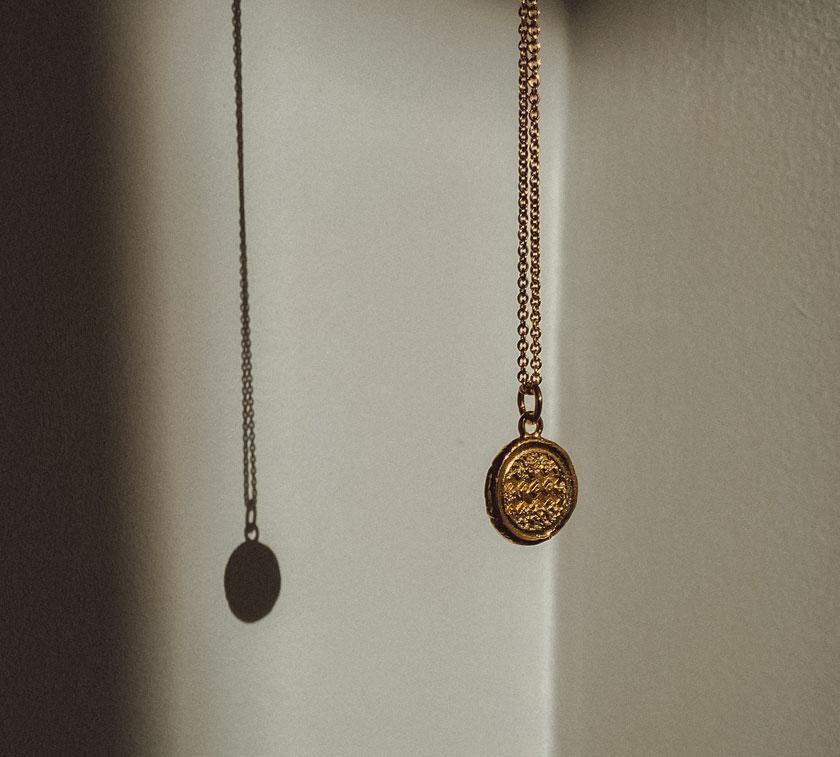 BANNER-BELOW-NLACE-NOV Oval Signet Ring Silver